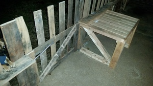 Green Recycled Pallet Fence